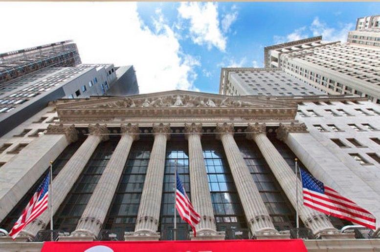 Wall Street cae en cierre por preocupación sobre rendimiento bonos