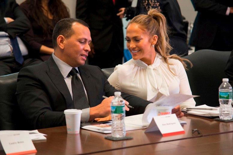 Jugador del Betis arrasa en las redes tras imitar a Jennifer Lopez