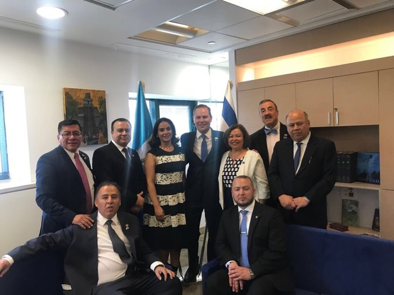 Nueve diputados acompañan a Morales en inauguración de Embajada en Israel