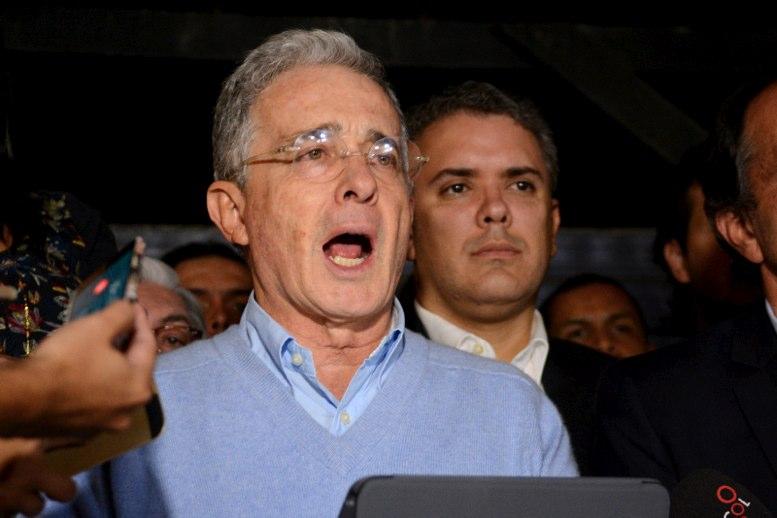 Colombia: Uribe ya no se quiere ir del Senado