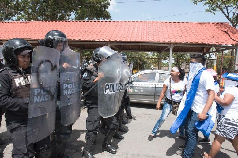 Reportan un muerto tras ataque a marcha contra el presidente de Nicaragua