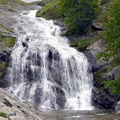 waterfall-284392_1280