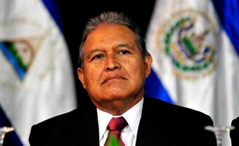 Presidente de El Salvador pide licencia para ausentarse un mes