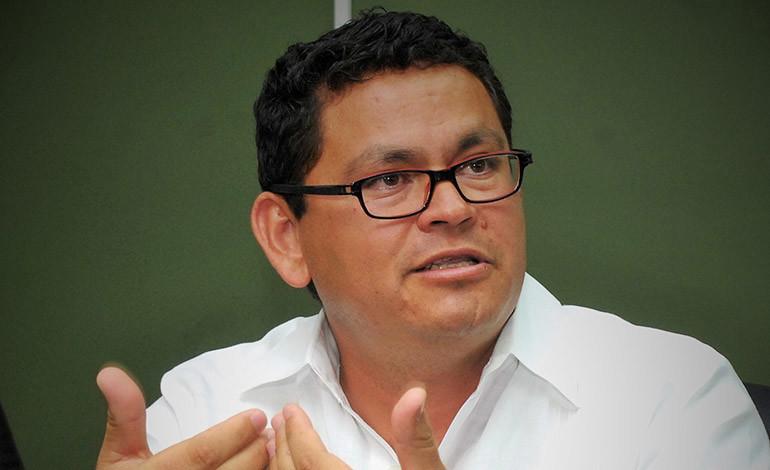 Seguridad de la UNA impide ingreso de Marlon Escoto a instalaciones