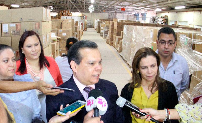 Presidente Hernández nombra Fuerza de Tarea para abastecer hospitales públicos