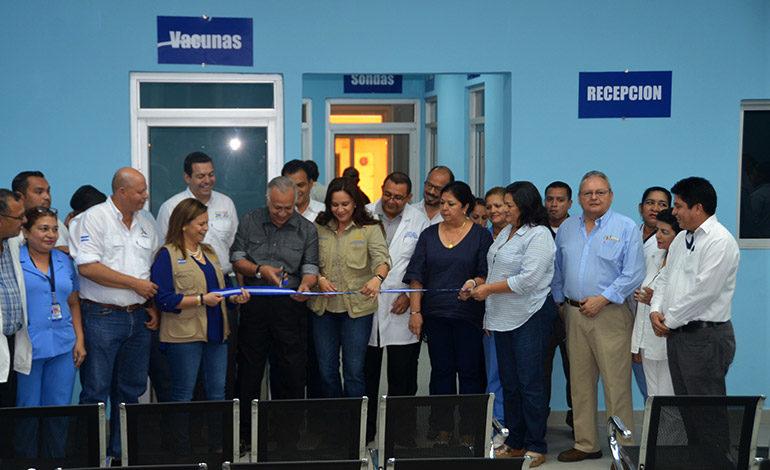 Gobierno inaugura moderna sala de consulta externa en el Hospital del Sur