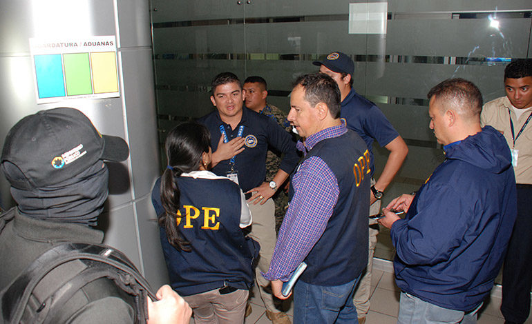 Con orden de captura y alerta migratoria Los Barralaga-Morales no fueron capturados.