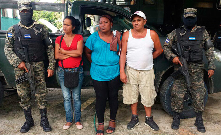Capturan a cuatro personas que transportaban 270 libras de marihuana