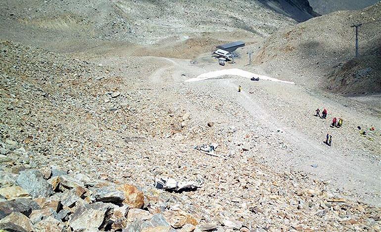 Tres muertos al estrellarse avioneta en campamento de verano suizo