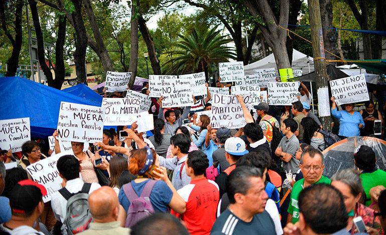 En vilo familias de desaparecidos después del terremoto en México