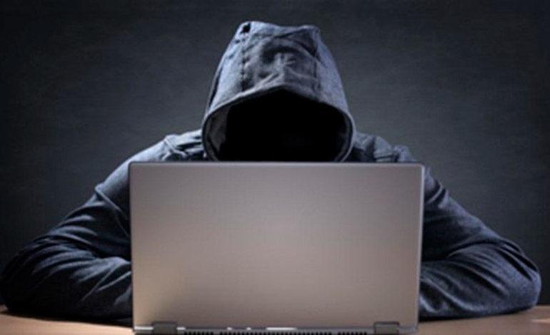 Alertan expertos: Usuarios deben protegerse contra piratas informáticos