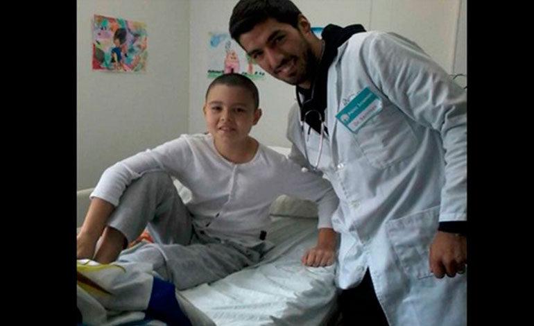 Luis Suárez ayuda niños con cáncer de Paraguay