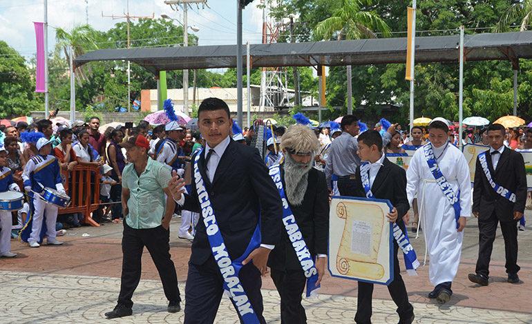 Multicolor exaltación a la patria en Choluteca