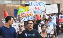 """¿Adiós """"Dreamers""""? Trump presionado por amnistía migratoria a jóvenes"""