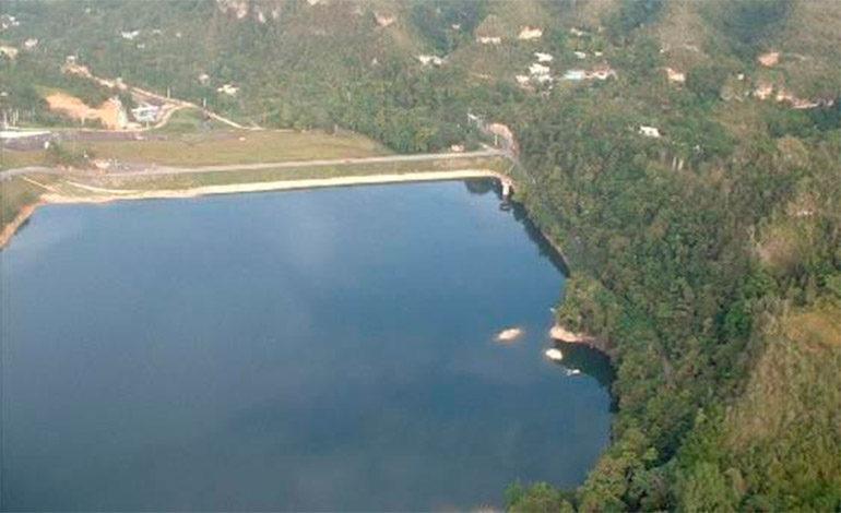 Evacúan dos pueblos en P. Rico por fallo en una presa tras paso de huracán