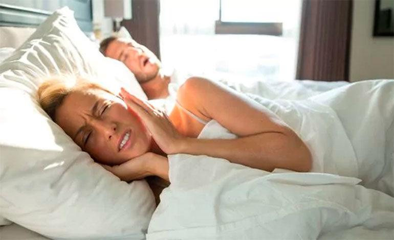 El truco de cinco minutos para dejar de roncar
