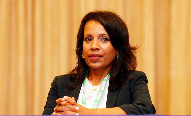 Elsia Paz: Ahora deberían venir los Nobel de Economía para ver cómo avanzamos
