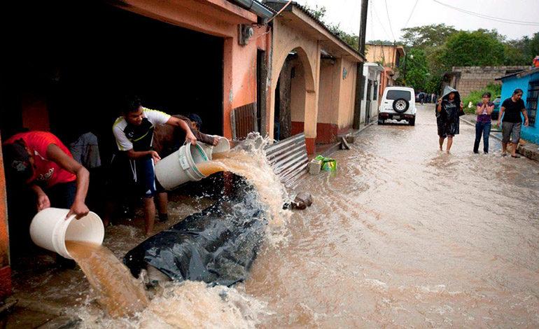 Lluvias afectan a 1.803 guatemaltecos y dañan 347 viviendas