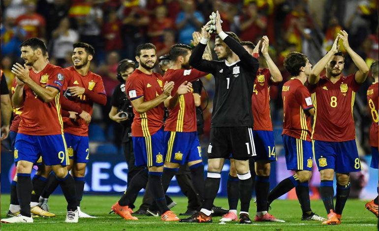 España golea a Albania y sella boleto a Rusia 2018