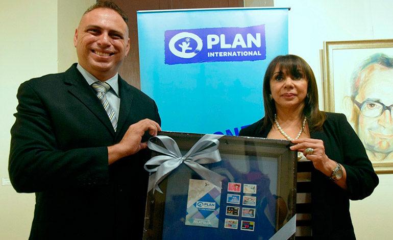 Honducor lanza nuevos sellos postales en aniversario de Plan Internacional