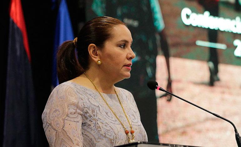 """Primera Dama: Honduras da pasos positivos al proteger """"catrachos"""" migrantes"""