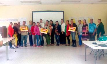 Capacitan a maestros sobre enfermedades en Juticalpa, Olancho