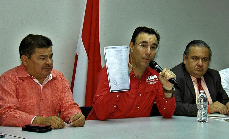 Luis Zelaya pide al TSE conteo rápido