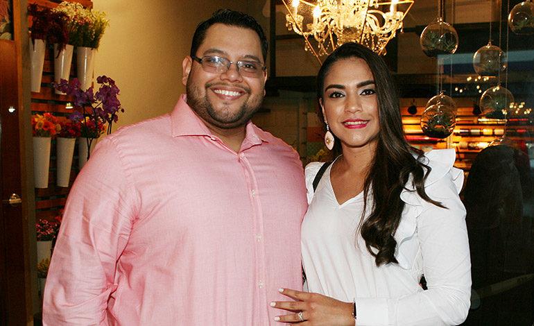 Alejandro Chicas y Desireé Chicas.