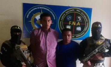 Capturan a dos hombres por distribuir drogas en Comayagua