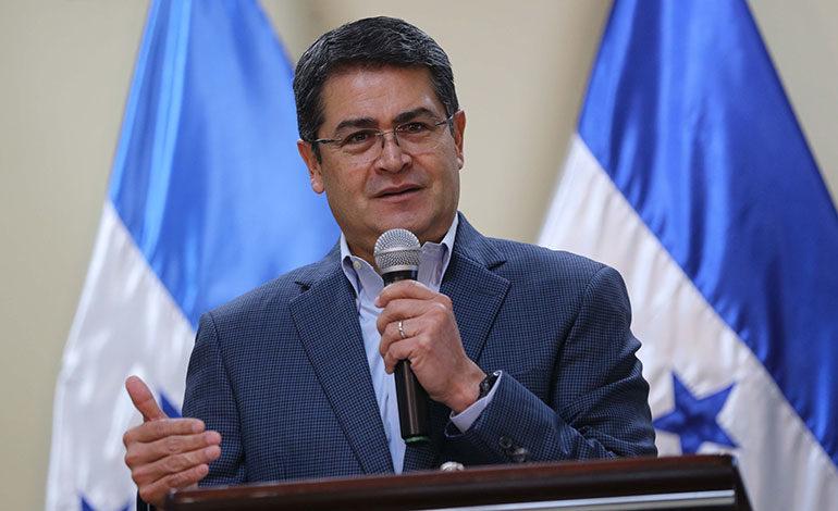 Presidente Hernández firma decreto para reconocer acuerdos del diálogo