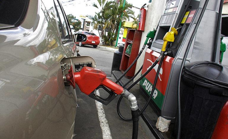 Gasolineros sugieren medidas de ahorro por alzas a combustibles