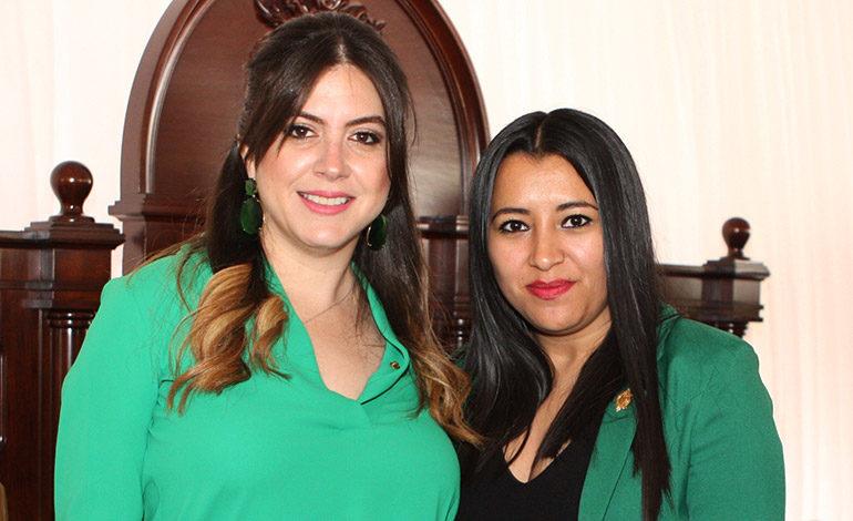 Cossette López y Joselyn Ardón.