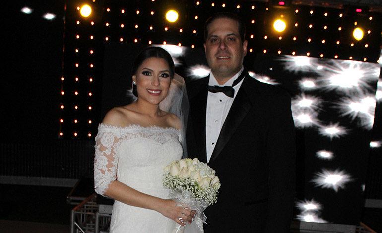 Mario Arturo Rojas y Elena María Molina se casan en la basílica de Suyapa