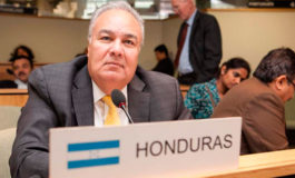 Embajador hondureño gana prestigiosa medalla Canning House