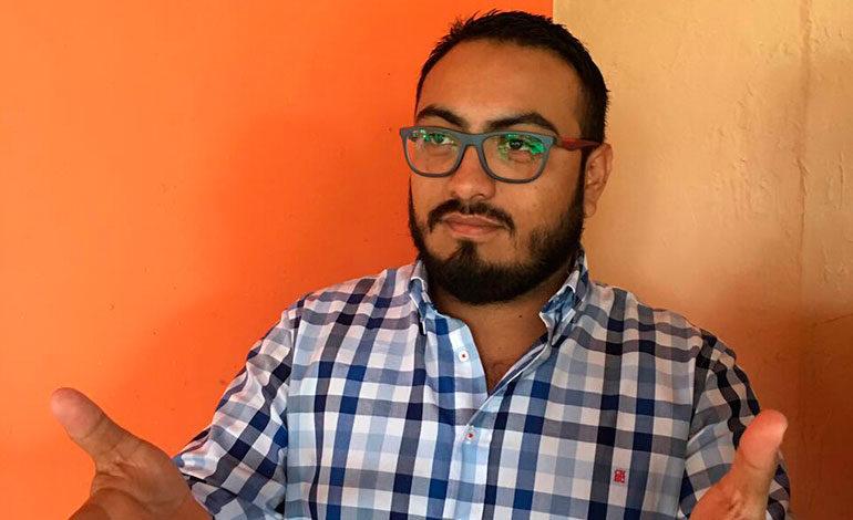 """Karlo Villatoro: """"No se debe apoyar el matrimonio entre homosexuales"""""""