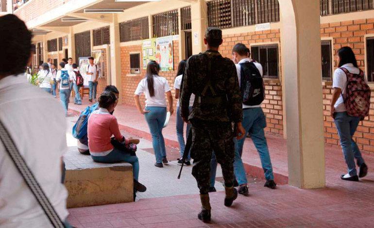 21 colegios no pueden operar por las maras