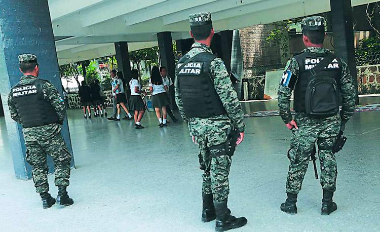 Las autoridades buscan proteger a la población estudiantil.