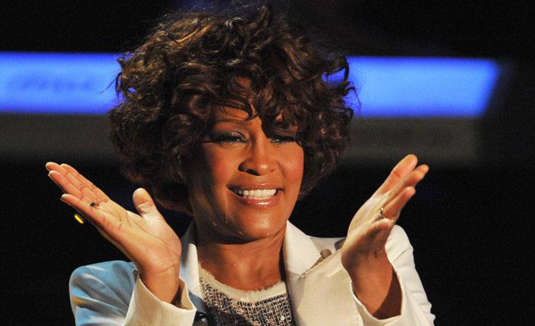 Whitney Houston, la voz prodigiosa sobrepasada por la fama