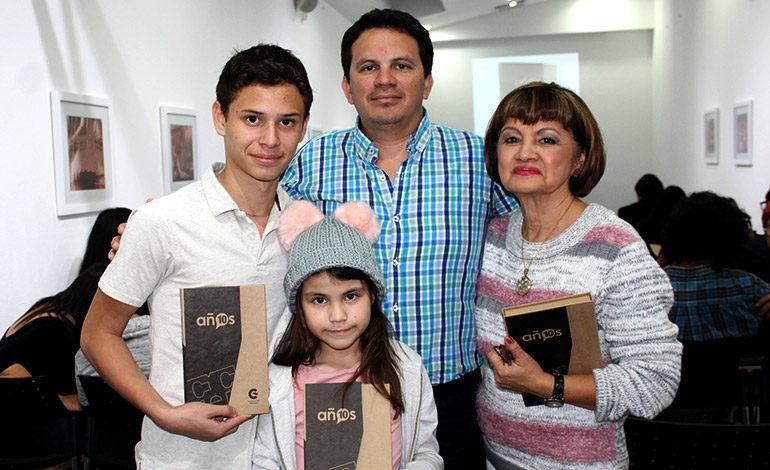 Joshua Ramos, Victor Ramos, Elizabeth de Ramos, Andrea Ramos.