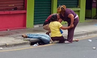 Matan joven en confuso tiroteo entre policía y delincuentes (Video)