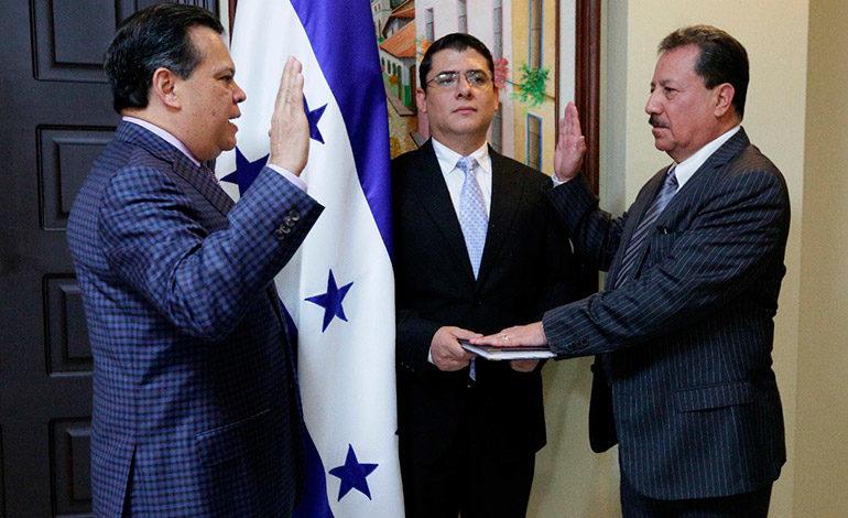 Juramentados ministro de Insep y viceministra de Comercio Exterior