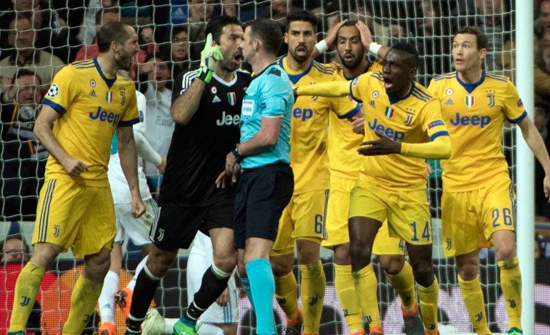 Buffon: Pitar un décimo de penalti en el 93 lo hace un animal