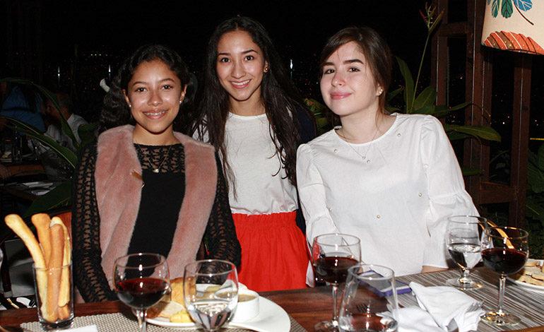Ana Cecilia Jiménez, Valeria Cuéllar, Sophia Flores.