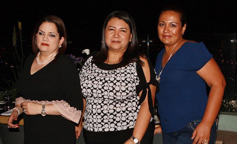 Carmen Padilla Velasco, Dania Mateo, Arlyn Reyes.