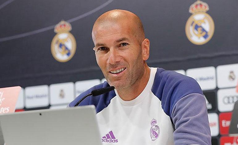 """Zidane: """"Admiro a Iniesta; mereció el Balón de Oro cuando ganó el Mundial"""""""
