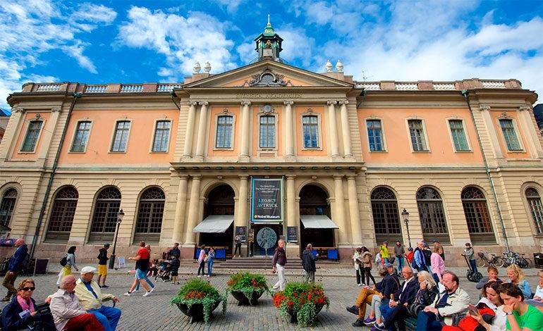 Cuatro miembros de la Academia Sueca han renunciado ya a raíz de escándalo