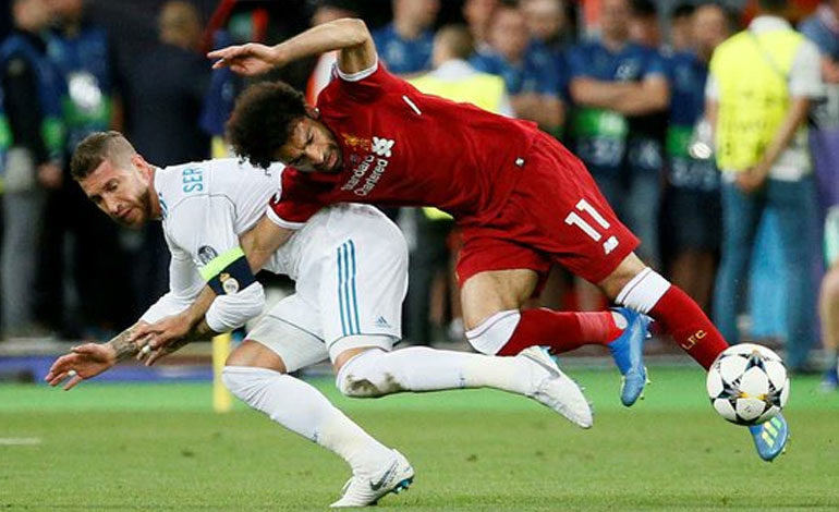 Salah estará recuperado en tres semanas, según médico de la selección egipcia