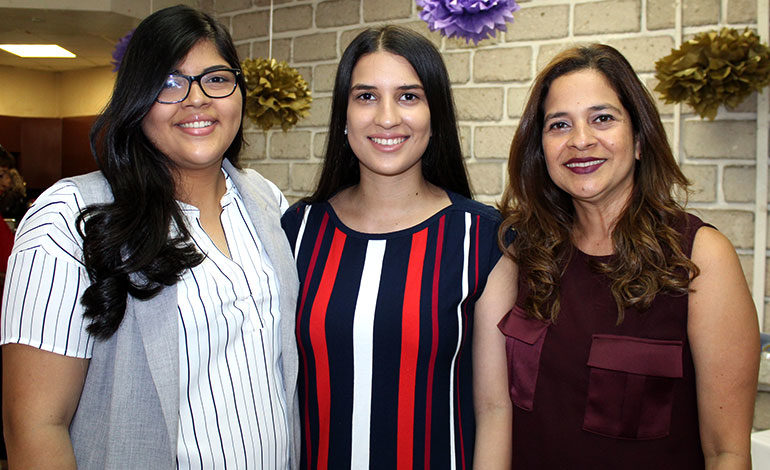 Melanie Balahwy, Hasnee Balahwy, Adriana Euceda.