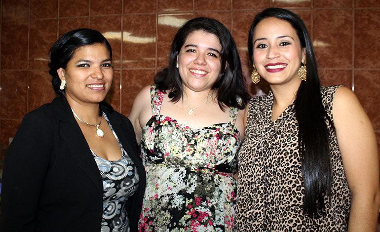 Hanyi Acosta, Debbie González, Karla Matute.