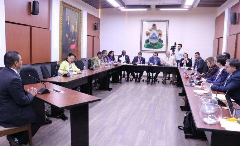 Realizan audiencias públicas para elegir al nuevo Fiscal General y Fiscal Adjunto